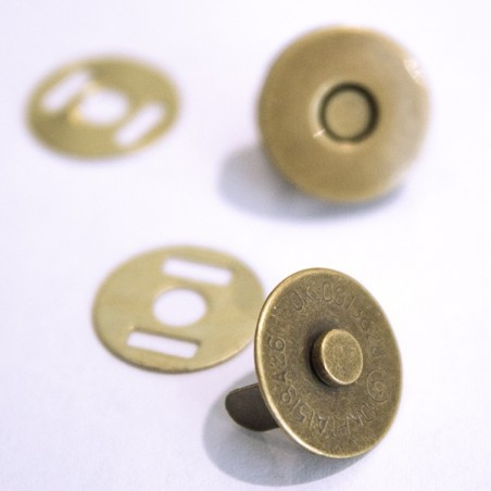 Bronze Magnet  15 mm